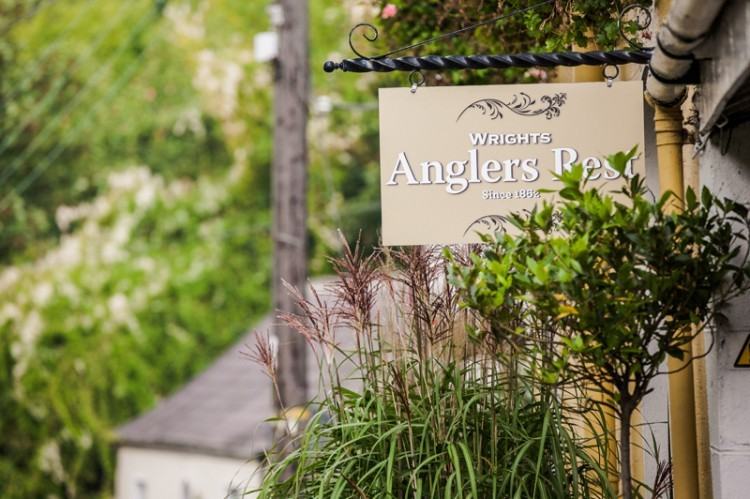 Anglers Rest wedding by Circus Photography