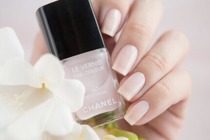 chanel-ballerina-wedding-day-nail-color-AnnaGorelova