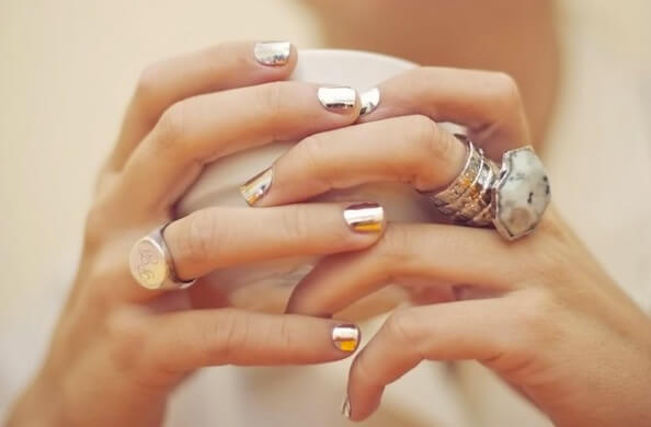 gold-manicure-metallic-wedding-nails-modern-mrs2be