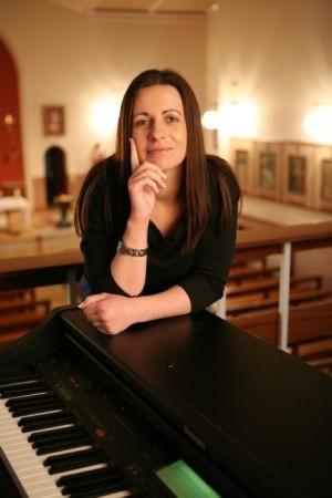 Female Church Singers - Musicians   CLAIRE SHEERIN - CEREMONY & DRINKS RECEPTION MUSIC