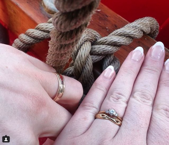 18ct yellow gold wedding bands