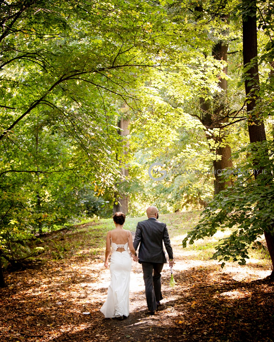 Bride and Groom portrait photo session in the forest