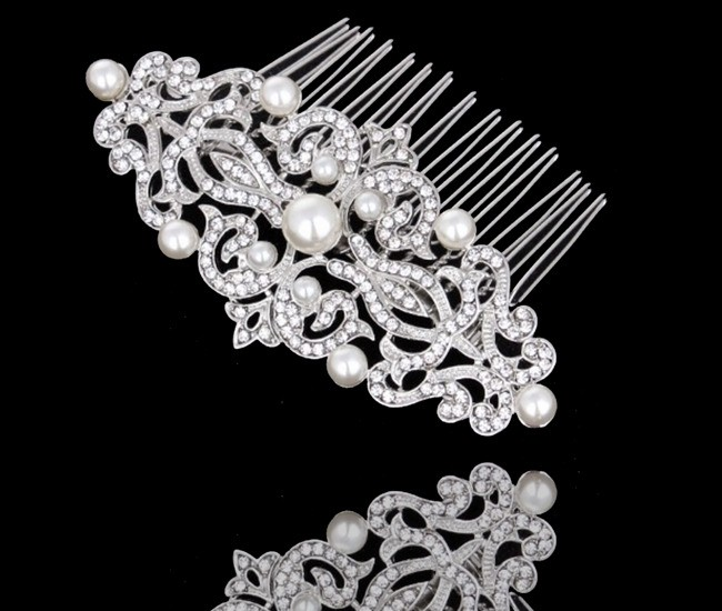 CLASSIC Bridal Pearls and Crystal Comb