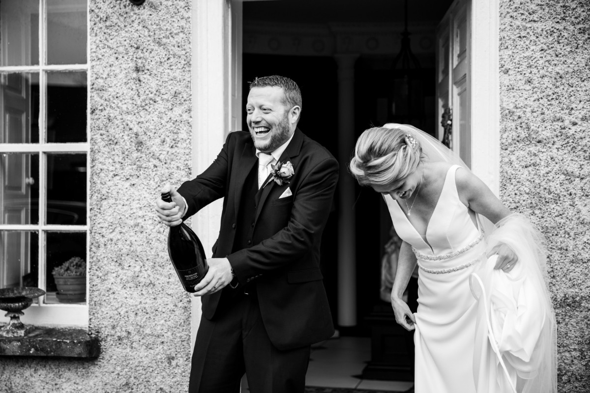 Candid Wedding - Laura and Benny Photography