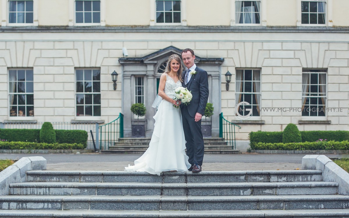 Newlyweds in front of the Dunboyne Castle