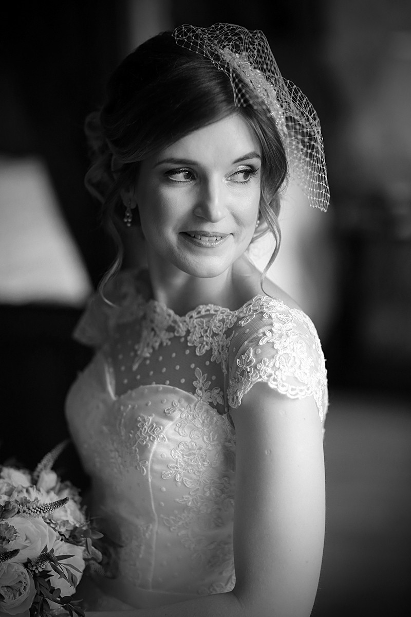 Romantic Vingage style Bride, lace-top dress, real wedding at Castle Durrow, documentary style, natural, reportage, candid, black and white,