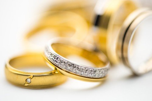 18k Yellow Gold Wedding Ring Collection