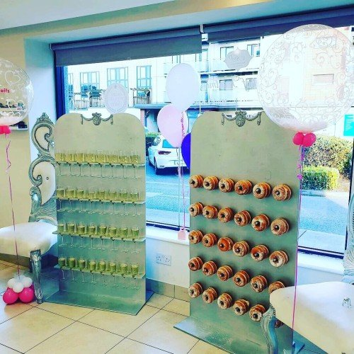 Prosecco and Doughnut walls, always a favourite at a wedding