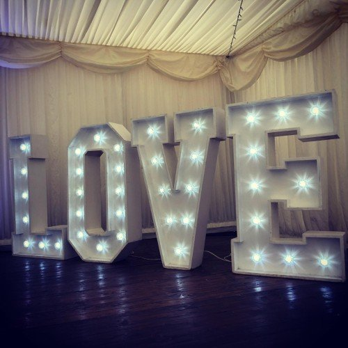 4ft LED LOVE sign