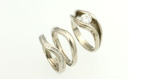 double wedding band diamond set sitting apart