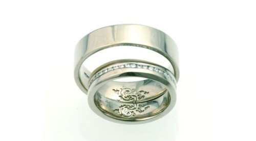 personal detail reference on internal detail of wedding bands