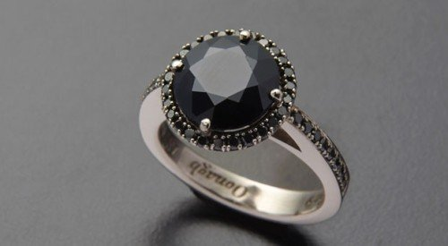 little black ring