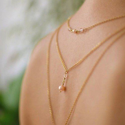 ELIZEE Swarovski Golden-plated Elegant Backdrop Necklace with Peach Pearls