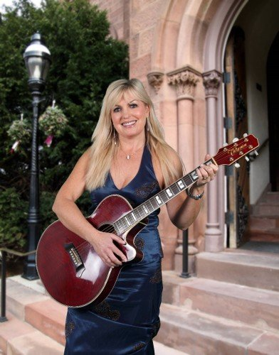 Female Church Singers - Fiona Kennedy  Singer & Guitarist for wedding ceremony and Pre-Dinner Entertainment