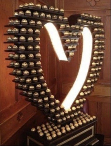 Ferrero Light up Heart stand