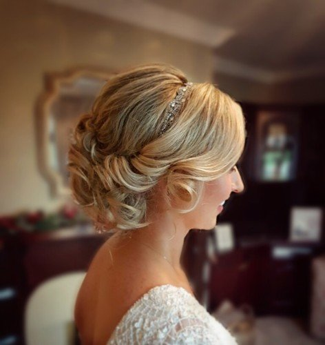 Bridal hair upstyle