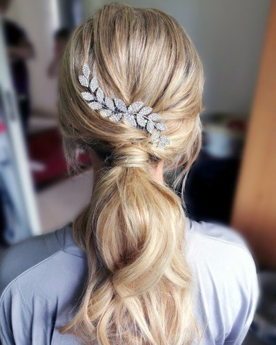 casual ponytail hairstyle