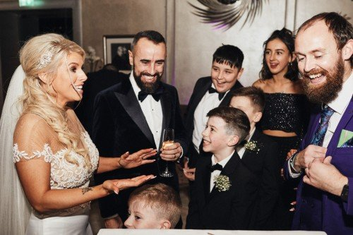 Magicians - Simon Ryan Wedding Magician