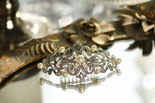 MONET Retro Style Pearl and Crystal Bridal Hair Comb