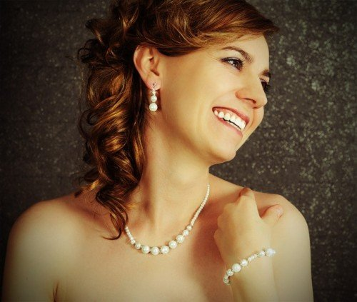 NOVIA Glass Pearl and Crystal Bracelet Necklace and Earring Wedding Set