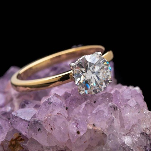 Round, Brilliant Solitaire Diamond Ring in 18k Yellow Gold