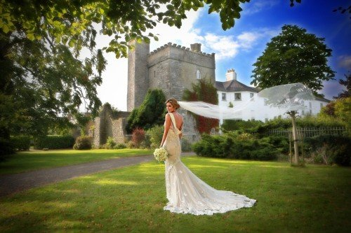 Bride and flying veil, real wedding Barberstown Castle, wedding dress with long veil and train, castle wedding