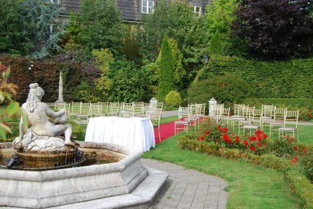 Outdoor Wedding Setup/ Hotel Wedding Venues | Great National Abbey Court Hotel