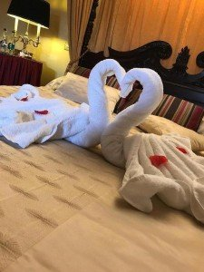 Loveheart Swans-Bridal Suite/ Hotel Wedding Venues | Great National Abbey Court Hotel